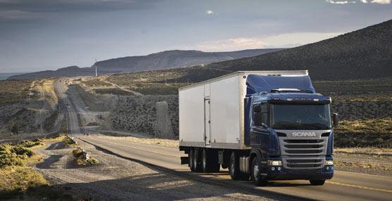 El nuevo sistema Eco-Roll de Scania 'lee' la carretera para reducir hasta un 2% el consumo de combustible