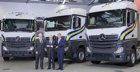 Mercedes-Benz entrega a Primafrío los 10 primeros camiones Actros de un pedido total de 400 unidades