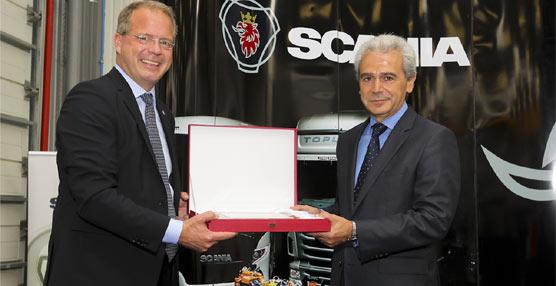 El fabricante sueco Scaniahace entrega de 50 camiones V8 R 500 a la empresa de transportePrimafrío