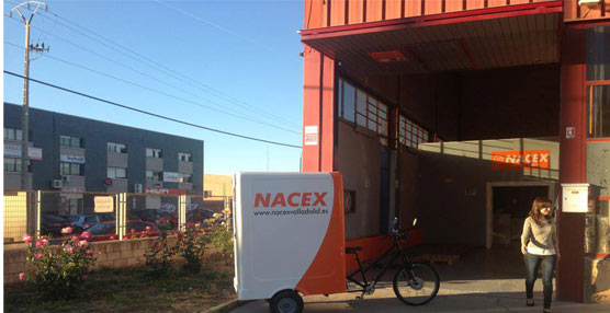 El operador de transporte Nacex ha incorporado un nuevo vehículo ecológico para el centro de Valladolid