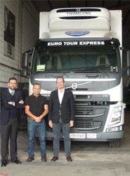 Volvo entrega el primer New Volvo FM Rígido de España a la empresa Euro Tour Express en Gran Canaria