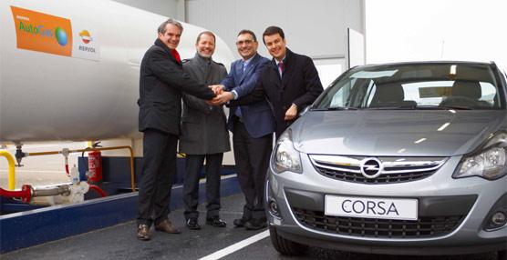 Repsol y Opel colaboran para promover los vehículos que funcionen con el nuevo combustible AutoGas de la española