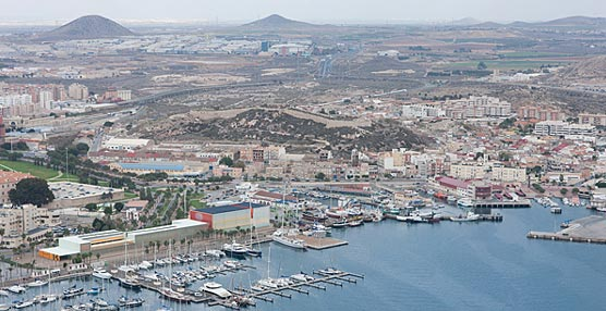 Repsol abastece a un buque remolcador de Cartagena con gas natural por primera vez en el mundo