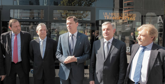 Castrosua formaliza la entrega 21 autobuses para Vilna, Lituania, como parte de un pedido de 93 unidades