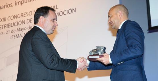 La red oficial de Peugeot recibe un reconocimiento del comité ejecutivo de Faconauto por su labor solidaria