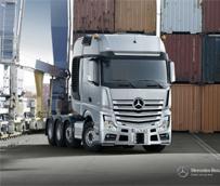 Mercedes está promocionando el Actros SLT para transporte pesado, una cabeza con motor OM 473 de 16 marchas