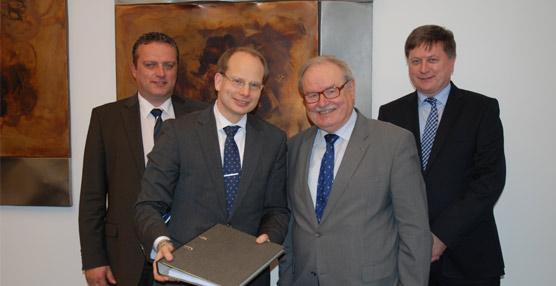 Volvo entrega tres nuevos autobuses híbridos eléctricos a la empresa Hamburger Hochbahn AG