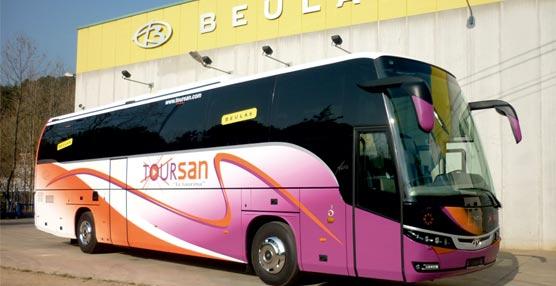 Autocares Toursan adquiere una unidad del autocar Aura de Beulas de 13 metros, con chasis de VDL