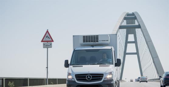 Mercedes anuncia que el asistente de viento lateral de la Sprinter estará también en las variantes Furgón y Kombi