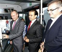 Valencia inaugura el primer servicio comercial de España para acceder al transporte público con el móvil