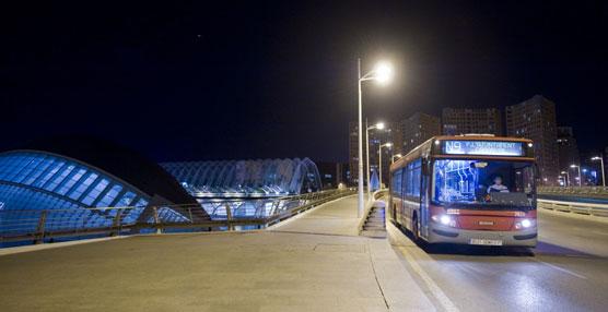 EMT Valencia dobla el servicio de las líneas nocturnas este verano, 'para disfrutar cómodamente de la noche valenciana'
