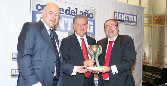 El SEAT León ST es galardonado con el premio 'Coche del Año de Renting 2014'