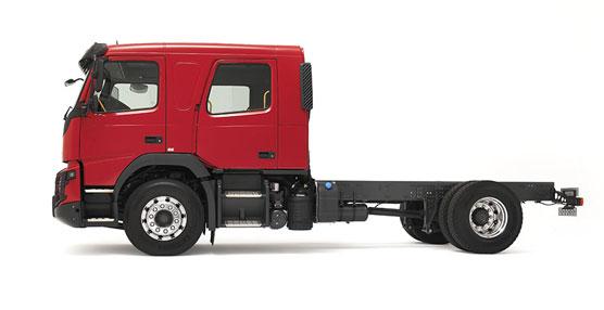 Los nuevos Volvo FL y Volvo FMX estrenan cabina de tripulación para equipos de bomberos y rescate