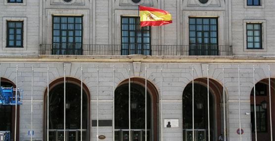 A concurso las líneas regulares de autocares Badajoz-Sevilla y Éibar-Pamplona