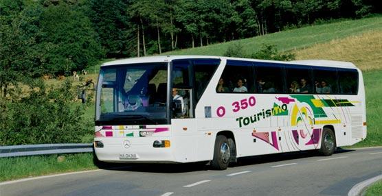 El Tourismo celebra su cumpleaños número 20 con dos generaciones y más de 21.000 autobuses vendidos