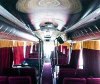 Teatro Bus lanza A Todo Rock, el primer musical a bordo de un autobús equipado como teatro 'sobre ruedas'