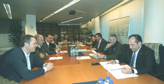 Ratificada la puesta en marcha del Plan de Transporte Metropolitano por la Xunta y 13 ayuntamientos del área de Vigo