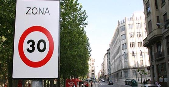 La seguridad de los peatones se refuerza con un convenio entre la DGT y Red de Ciudades que Caminan