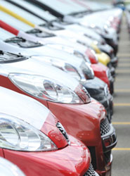 Las ventas de coches moderan su crecimiento en la primera quincena, según Ganvam