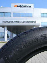 Los neumáticos de altas prestaciones para SUV de Hankook como Equipo Original en el Porsche Macan