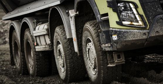 Volvo Trucks, primer fabricante en ofrecer tracción total automática para mejorar maniobrabilidad y consumo