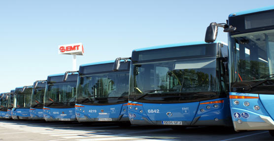La EMT de Madrid refuerza el servicio de las líneas que cubren El parque del Retiro durante la Feria del Libro