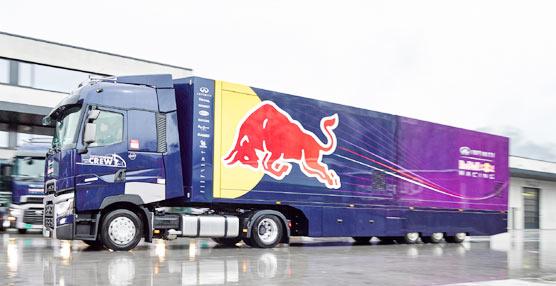 Siete camiones Renault Trucks T se encargan de los desplazamientos de Red Bull F1 por Europa