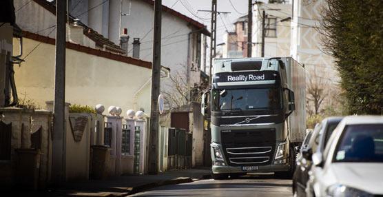 Volvo Trucks presenta el servicio de posicionamiento Positioning+ para tiempos esenciales y mercancías de valor