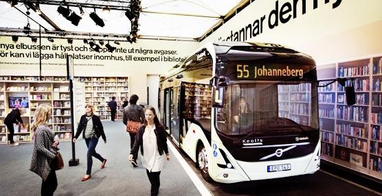 Coge el autobús eléctrico de la Volvo Ocean Race en la ciudad sueca de Goteborg y bájate en la biblioteca