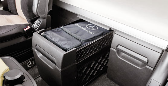 Los Accesorios Genuinos de Mercedes-Benz Trucks pueden hacer más cómoda la vida en el camión