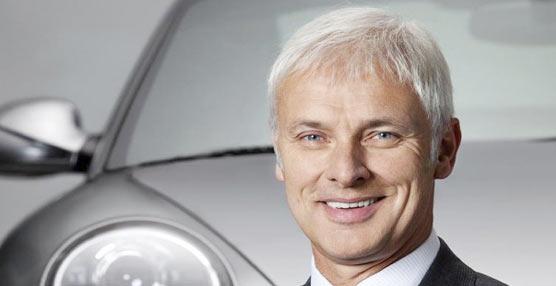 Matthias Müller es nombrado director general de Volkswagen, con el objetivo de restaurar el prestigio perdido