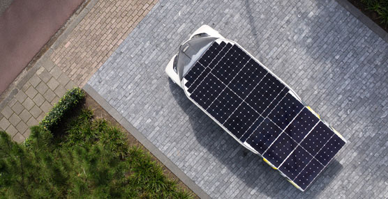 TNT transporta un coche solar a Australia para participar en el World Solar Challenge